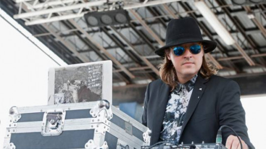 Win Butler (Arcade Fire) surprise dj set