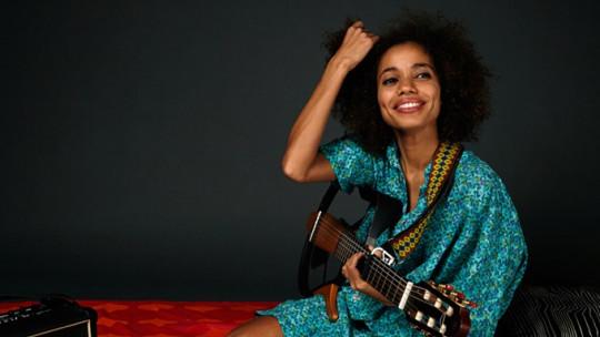 Nneka, Sena Live